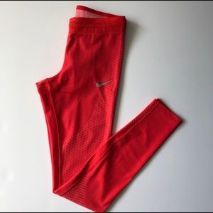 Nike tights. EUC